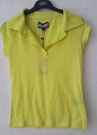 Легкая футболка лимонного цвета