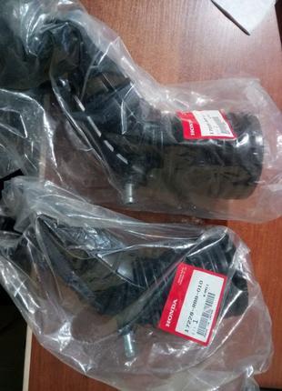 Патрубок гофра воздушного фильтра Хонда Аккорд 7 17228RBB010 2...