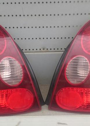 Задний правый фонарь Toyota Corolla E110 220-76587r