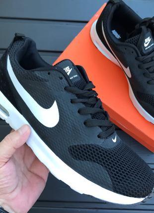 Распродажа. Мужские кроссовки Nike Tavas.