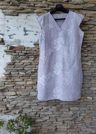 Стильное льняное с карманами и вышивкой платье большого размера