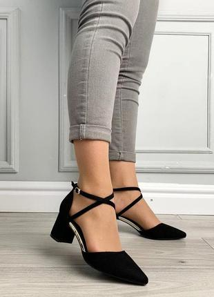 Туфли женские на каблуке чёрные