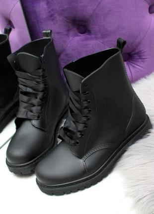 Женские резиновые ботинки