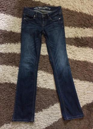 Стильние джинсики клеш