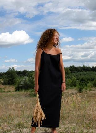 Льняное чёрное платье открытой спиной длинное