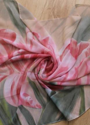 Фирменный женский платок.