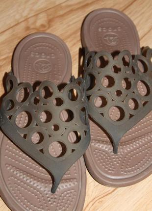 Шлепанцы crocs, размер 38-39.