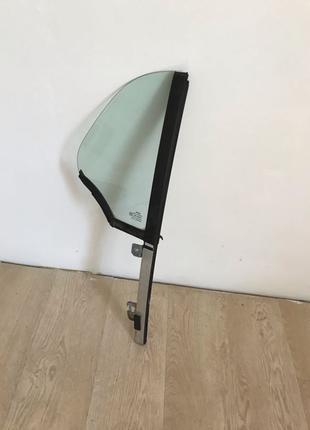 Продам заднее правое стекло(форточка) Smart Fortwo 450