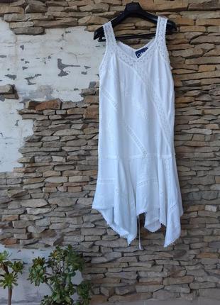 Асимметричное вискозное с кружевом и вышивкой платье большого ...