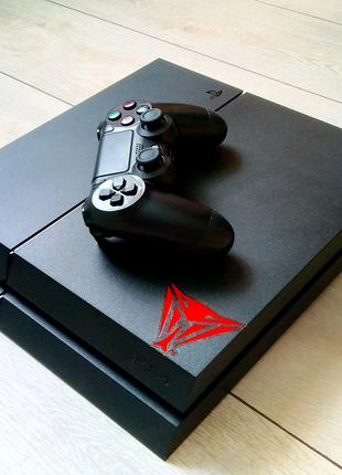 PS4 (1TB) + аккаунт с 7 играми