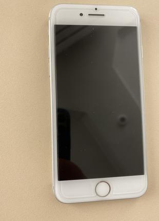 Продаю свой iPhone 7 32GB Silver Neverlock