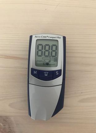 Система тестування глюкози в крові Accu-Chek Compact Plus