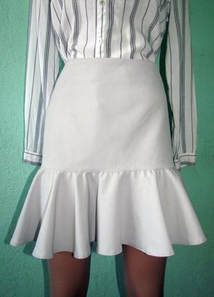 Стильная юбка с воланом