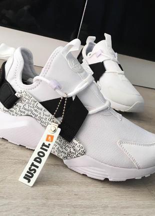 Мужские кроссовки Nike Air Huarache City Low.