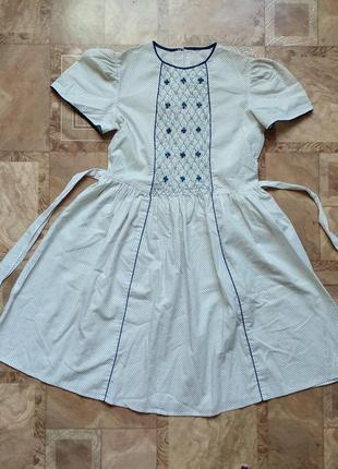 Летнее платье на девочку в горошек