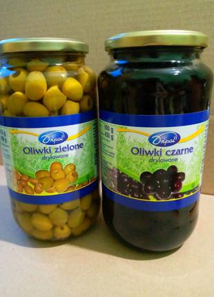Оливки чорні і зелені