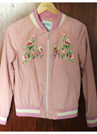 Женская легкая куртка на прохладную погоду. бренд mr520