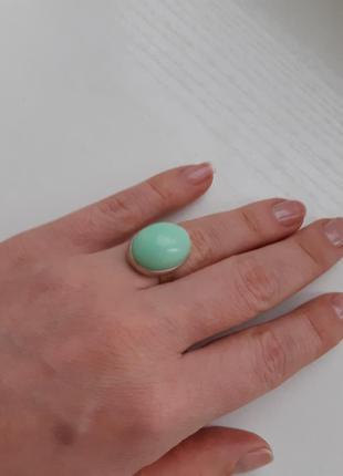 Серебрянное кольцо с натуральным камнем