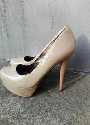 Нюдовые туфли aldo