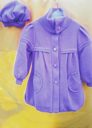 Вязаное пальто и берет на 3-4 года