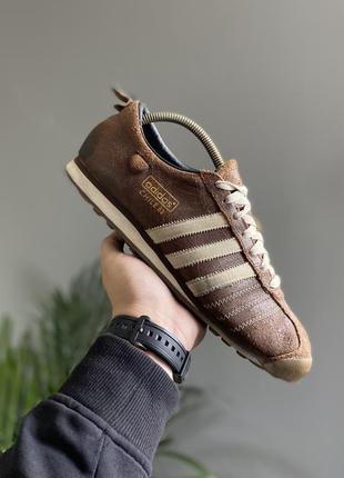 Крутые кроссовки adidas chile 62