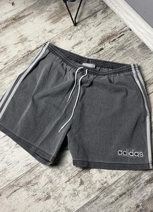Крутые шорты adidas vintage shorts