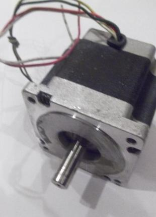 Шаговый двигатель(б.у)FL86STH80-5504A