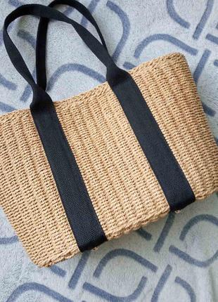 Актуальная женская соломенная сумка