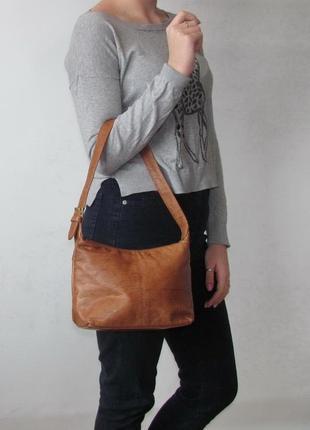 Удобная стильная сумка gigi, сша, натуральная кожа