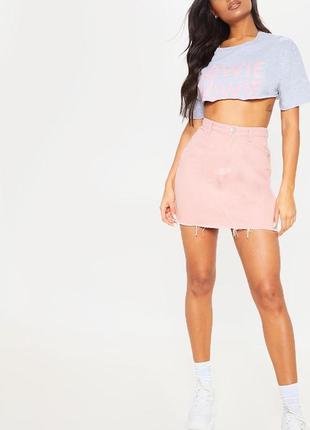 Розовая джинсовая мини юбка деним хлопковая prettylittlething