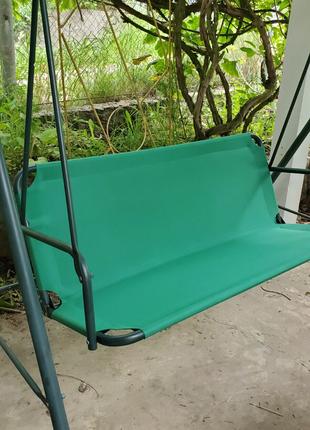 Замена старого текстиля сидения на садовых качелях