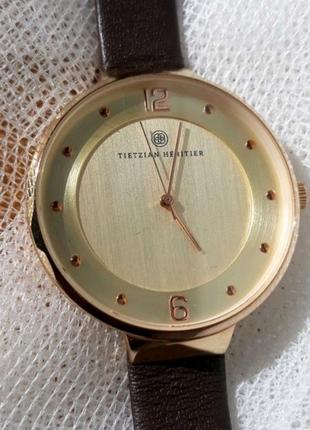 Элегантные часы TIETZIAN HÉRITIER.