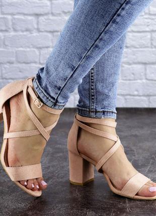 женские босоножкина каблуке 36-40