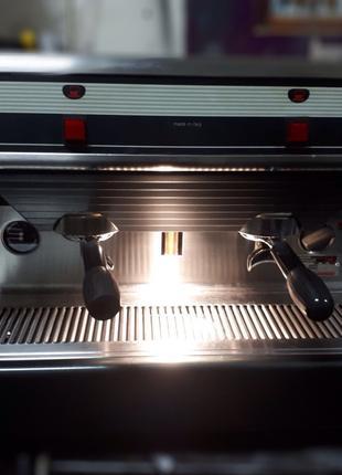 Професійна кавоварка Nuova Simonelli Premier