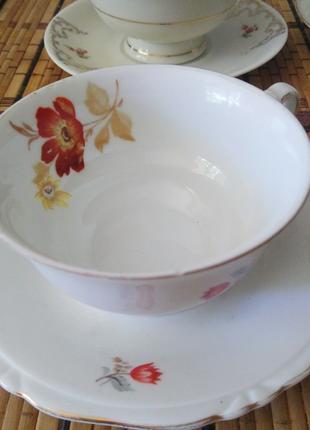 Фарфоровые чашки с блюдцами / набор для чаепития