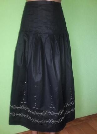 Пышная юбка  с тонкой натуральной ткани с вышивкой