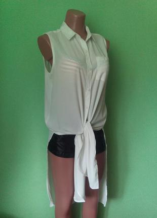 Шифоновая удлиненная асимметричная рубашка без рукавов с глубо...