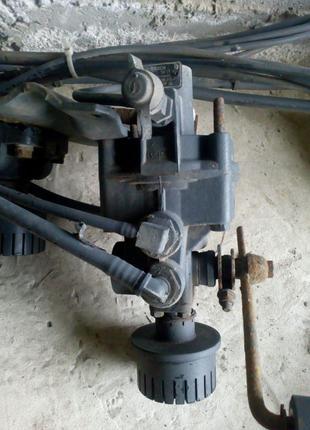 Тормозний кран Mercedes Bosch 0481036117