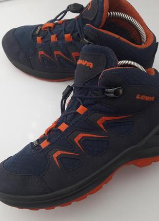 Легчайшие ботинки lowa 33 р.