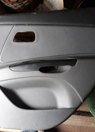 Продам карта дверная задняя правая Kia Rio 2006-2011