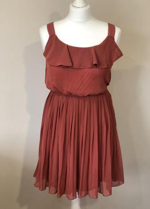 Плисерованое платье forever 21