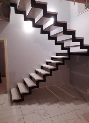 Изготовление лестниц под заказ любой сложности ,