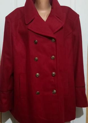 Пальто на шикарные формы . с бирками