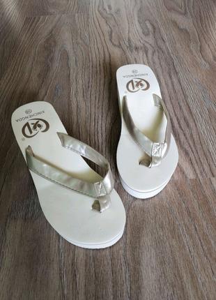 Женские шлепанцы. Вьетнамки. Тапочки. Босоножки. Летняя обувь.