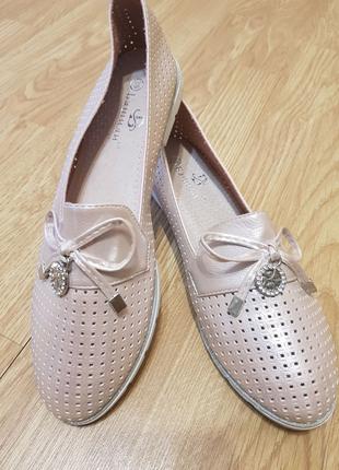 Женские балетки туфли еко-кожа натуральная кожа пудра серебро 39р