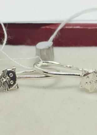 Новые красивые серебряные серьги кошечки с куб.цирконием петля...