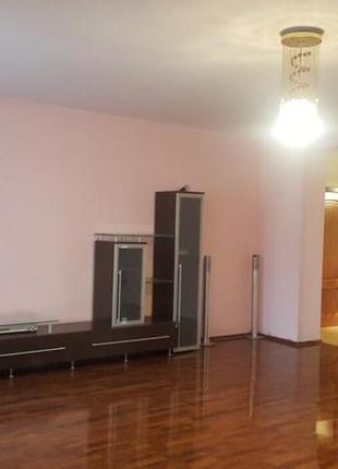 Без комиссии. Продажа 3 ком квартиры по Героев Сталинграда 24а.