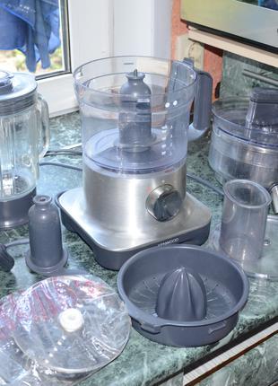 Kenwood  FP260 кухонный комбайн