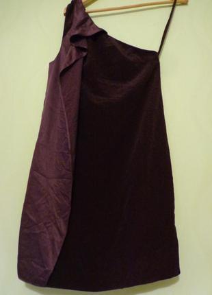 Маленькое нарядное платье на одно плече, на випускной, розмір 32