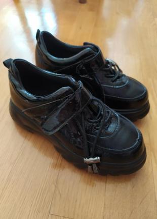 Кроссовки черные 31 32 размер